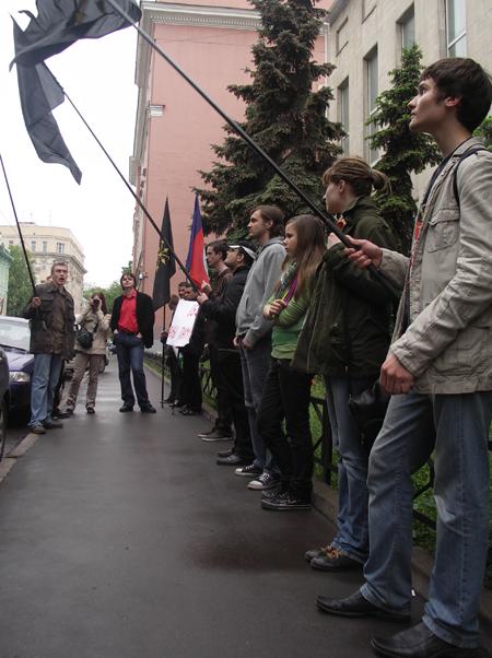 http://www.rossia3.ru/images/220508piket/010.JPG